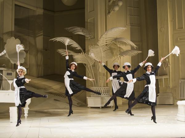 ENO1516 The Mikado: dancing maids (c) Tristram Kenton