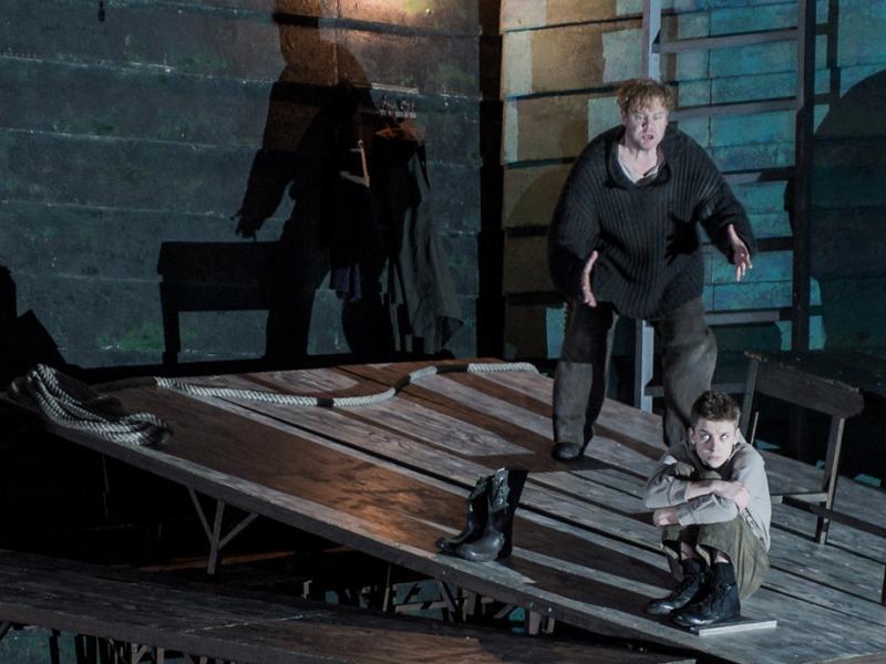 ENO Peter Grimes: Stuart Skelton as Peter Grimes and Timothy Kirrage as the Apprentice. (c) Robert Workman.