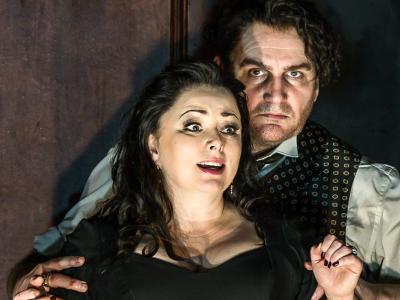ENO's Rodelinda - Rebecca Evans as Rodelinda and John Mark Ainsley as Grimoaldo. Photo by Clive Barda