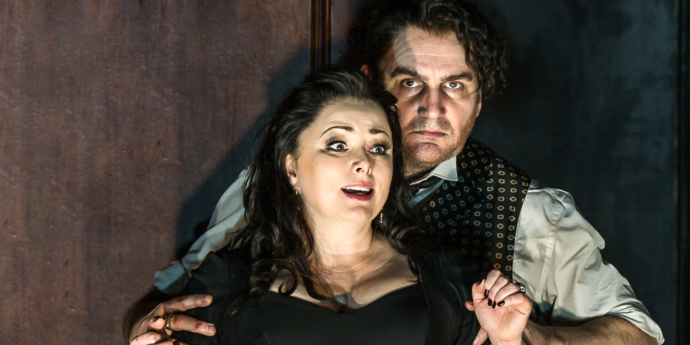 ENO's Rodelinda - Rebecca Evans as Rodelinda and John Mark Ainsley as Grimoaldo. Photo by Clive Barda