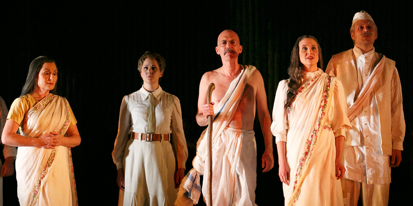 ENO's Satyagraha - Alan Oke as Gandhi and ENO Chorus. Photo by Donald Cooper