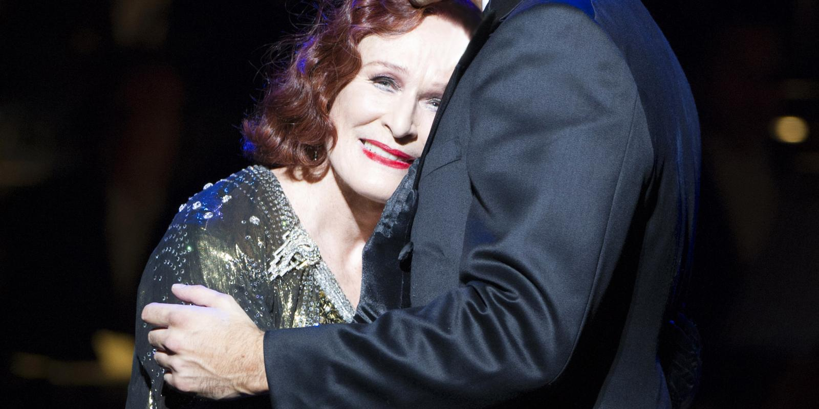 Glenn Close (Norma Desmond), Michael Xavier (Joe Gillis). Photo by Richard Hubert Smith.