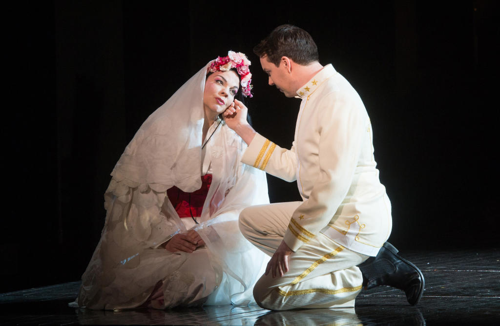 Madame Butterfly: Madam Butterfly: Production Gallery 2015/16