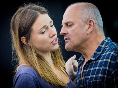 Zerlina (Mary Bevan) and Don Giovanni (Christopher Purves) in rehearsal.