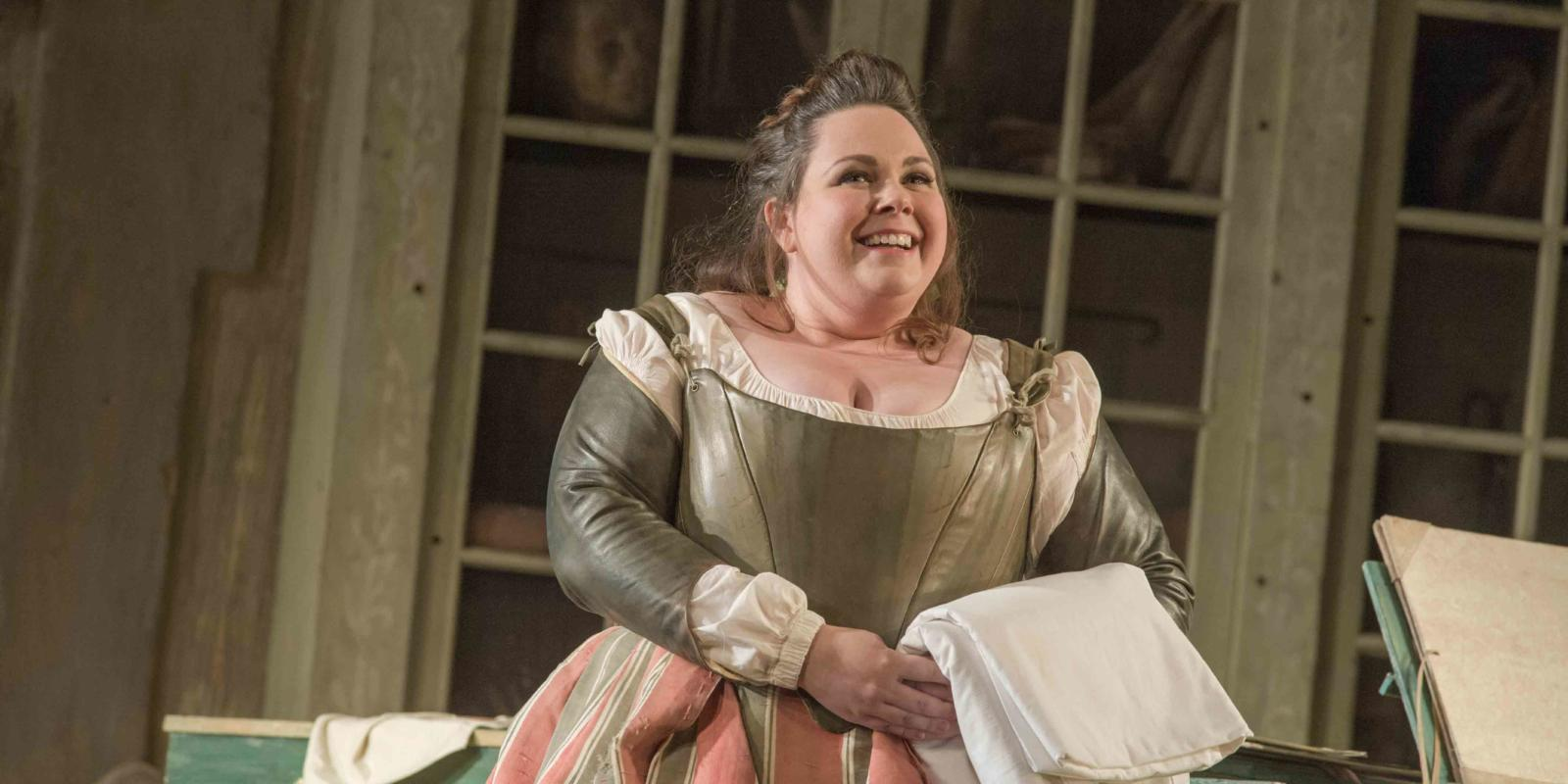 An image of Katherine Broderick in Jonathan Miller's 2015 production of The Barber of Seville