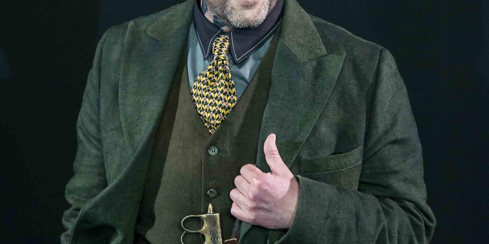 An image of Richard Burkhard in Richard Jones's 2014 production of Rodelinda