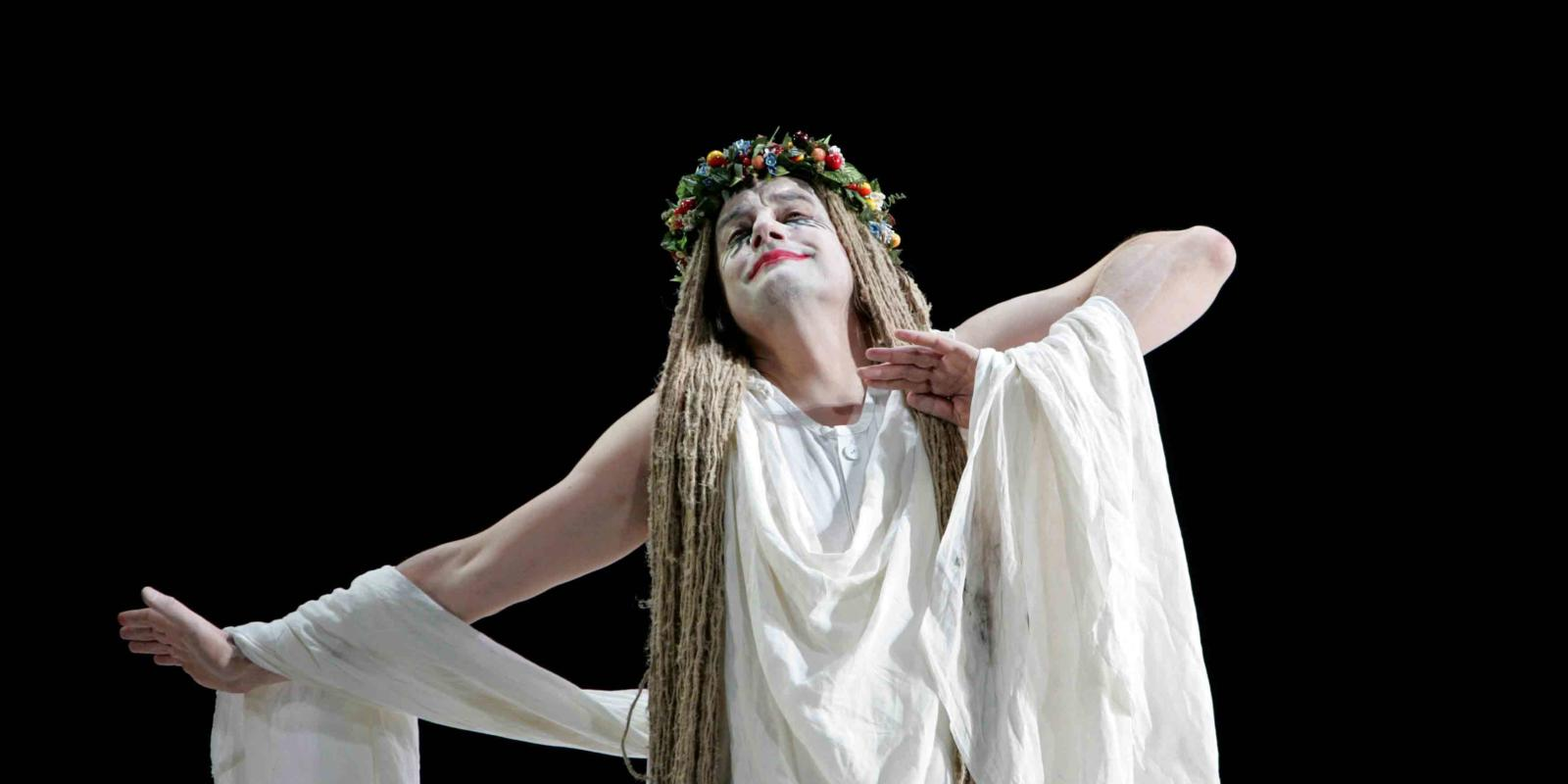 An image of Christopher Gillett in ENO's 2004 production of A Midsummer Night's Dream