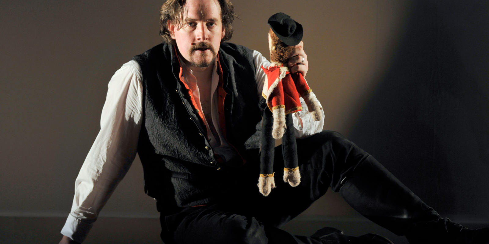 An image of Benedict Nelson in Fiona Shaw's 2014 production of The Marriage of Figaro