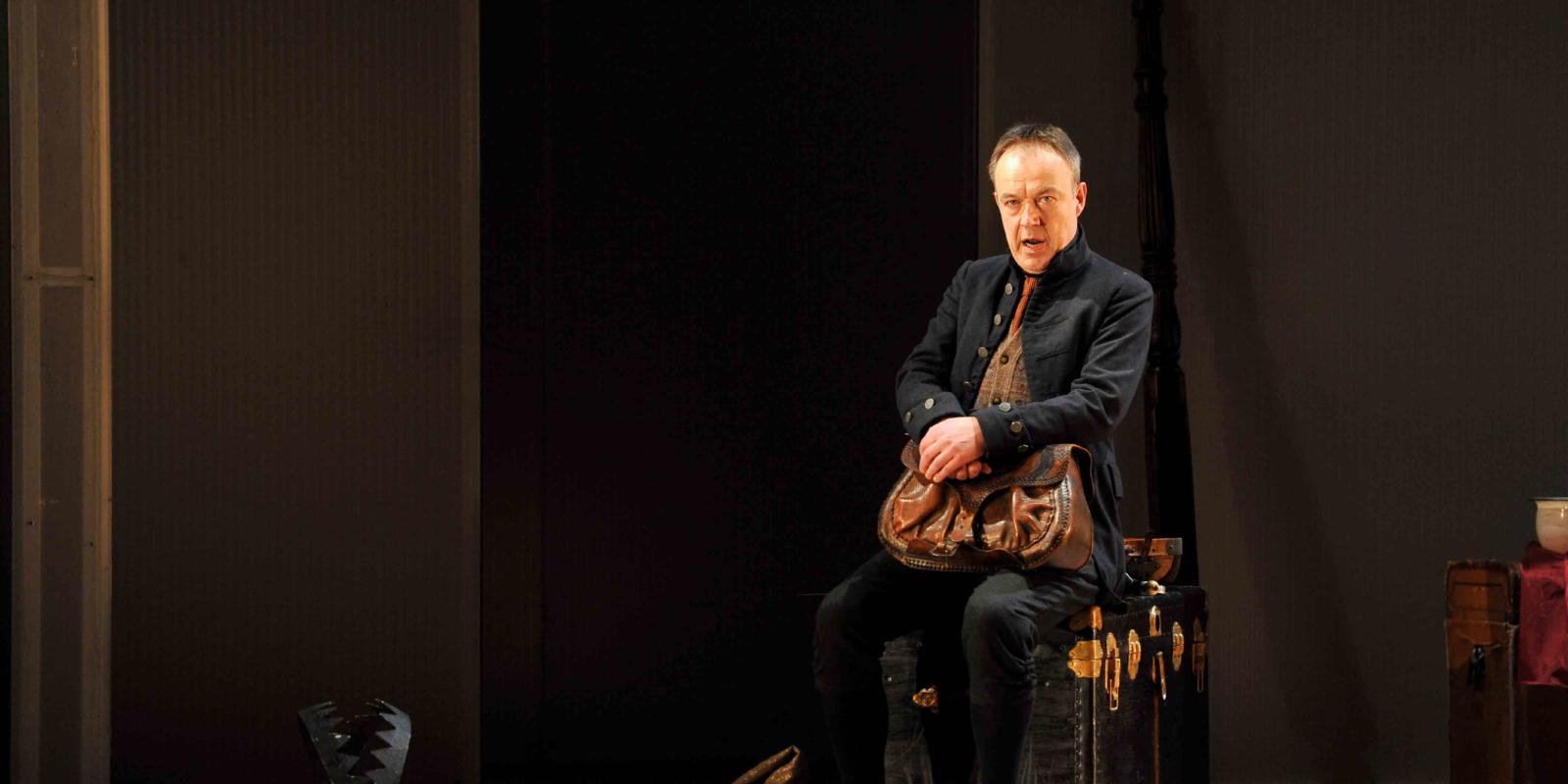 An image of Jonathan Best in Fiona Shaw's 2014 production of The Marriage of Figaro