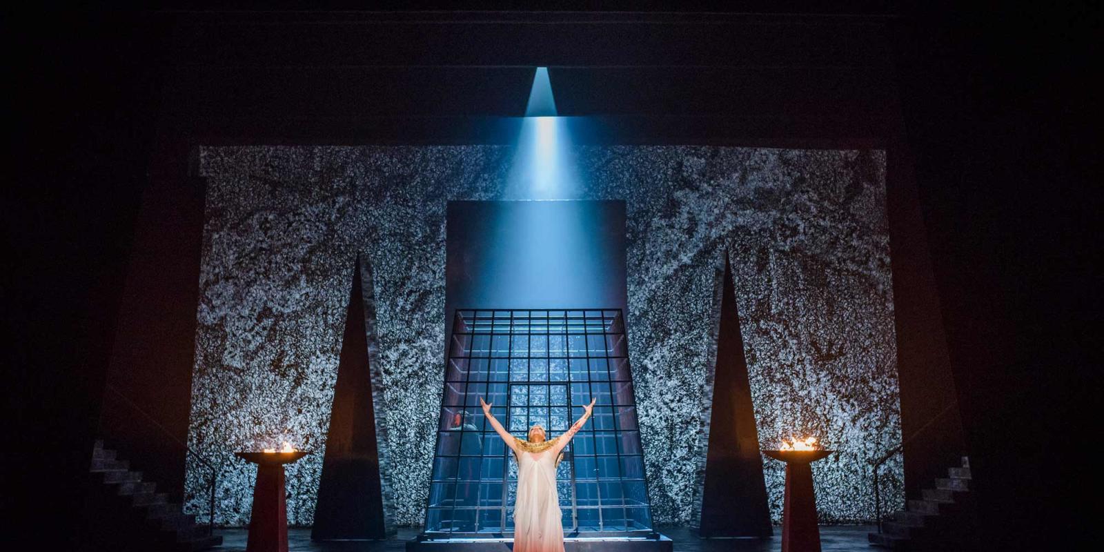 ENO Aida: Michelle DeYoung (c) Tristram Kenton