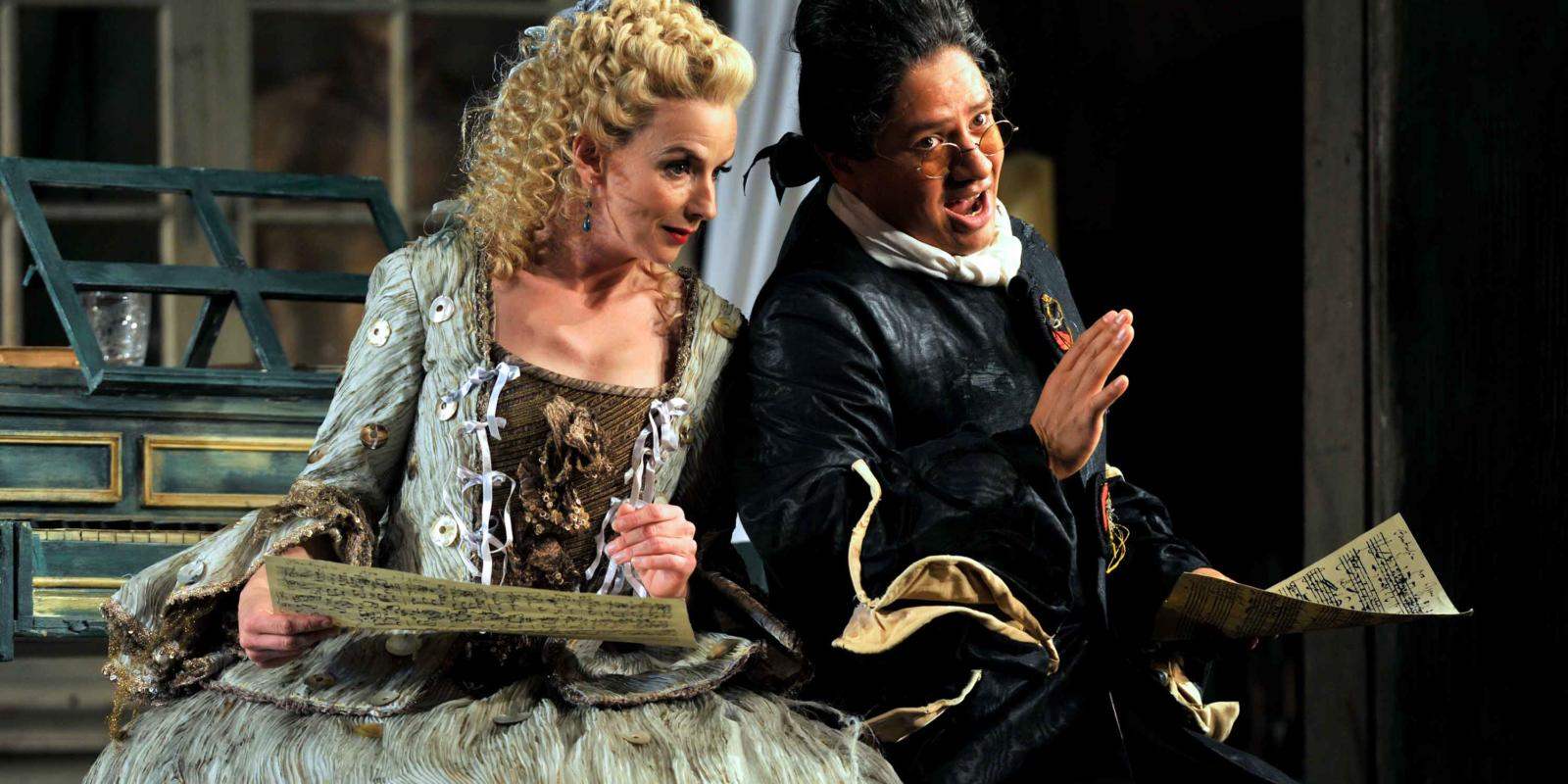 ENO The Barber of Seville: Sarah Tynan and Eleazar Rodriguez (c) Robbie Jack