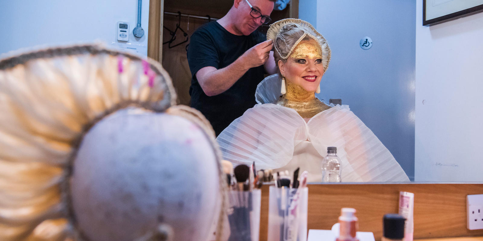Michelle DeYoung getting ready backstage to sing the role of Amneris (c) Tristram Kenton
