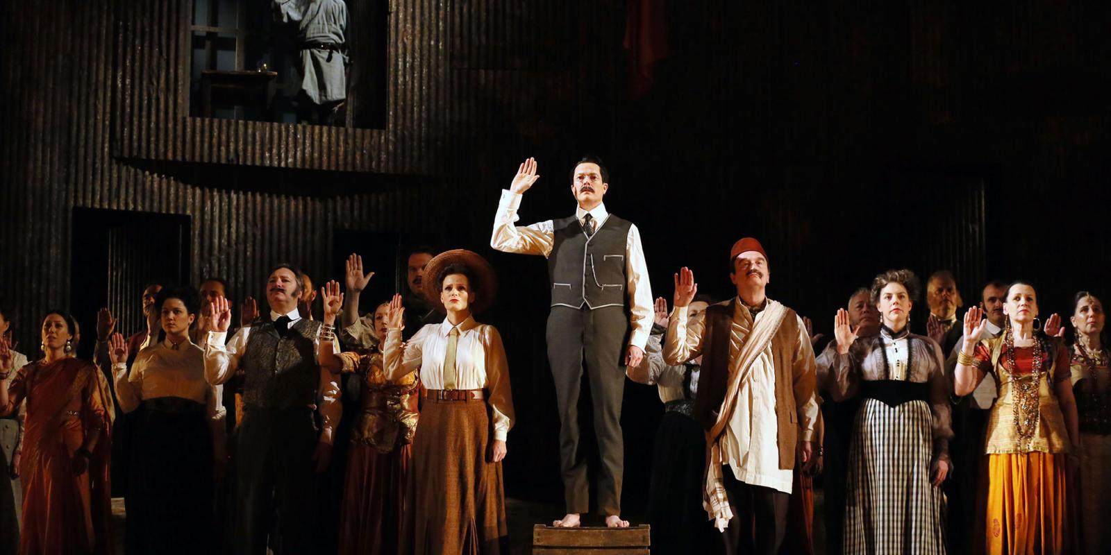 ENO Satyagraha: Toby Spence, Charlotte Beament and the ENO Chorus (c) Donald Cooper