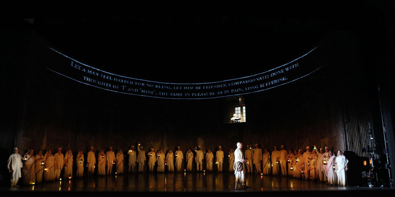 ENO Satyagraha: Toby Spence and the ENO Chorus (c) Donald Cooper