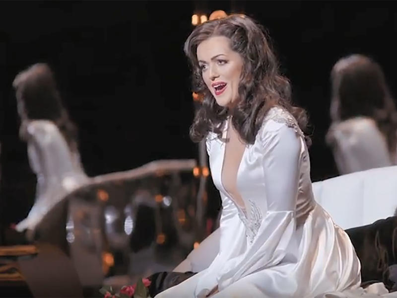 Claudia Boyle singing in La traviata