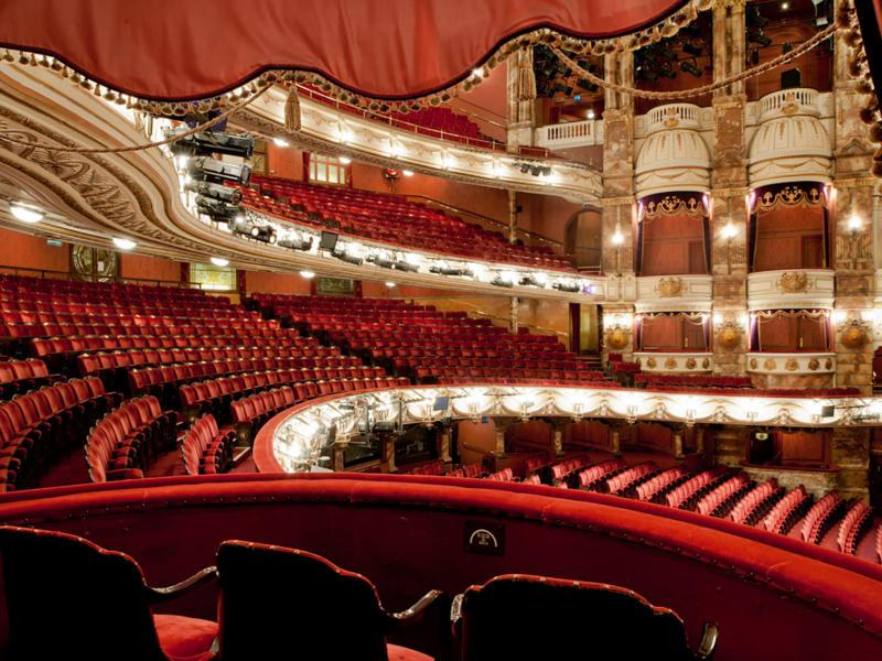 The London Coliseum auditorium view from a box (c) Guillaume de Laubier