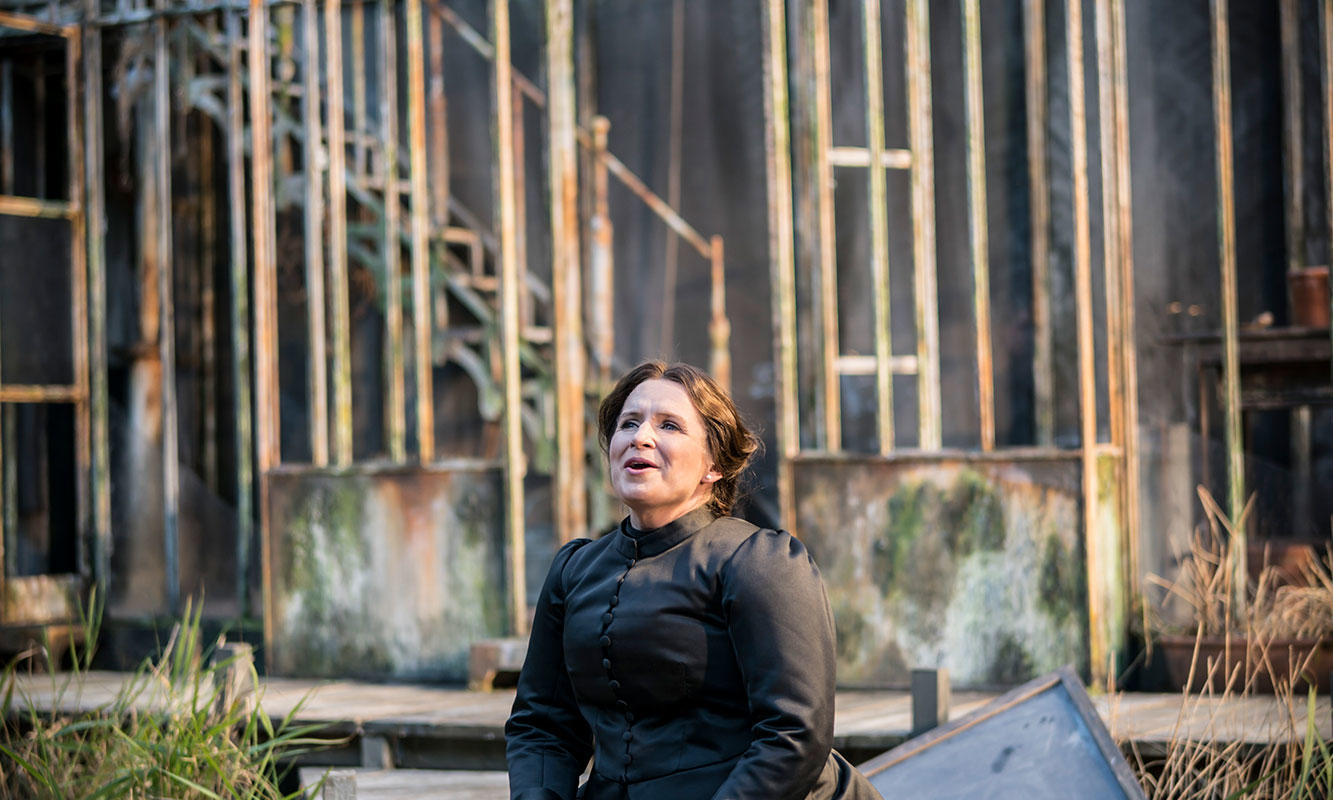 ENO 2017/18 The Turn of the Screw: Anita Watson as The Governess. Photo Johan Persson.