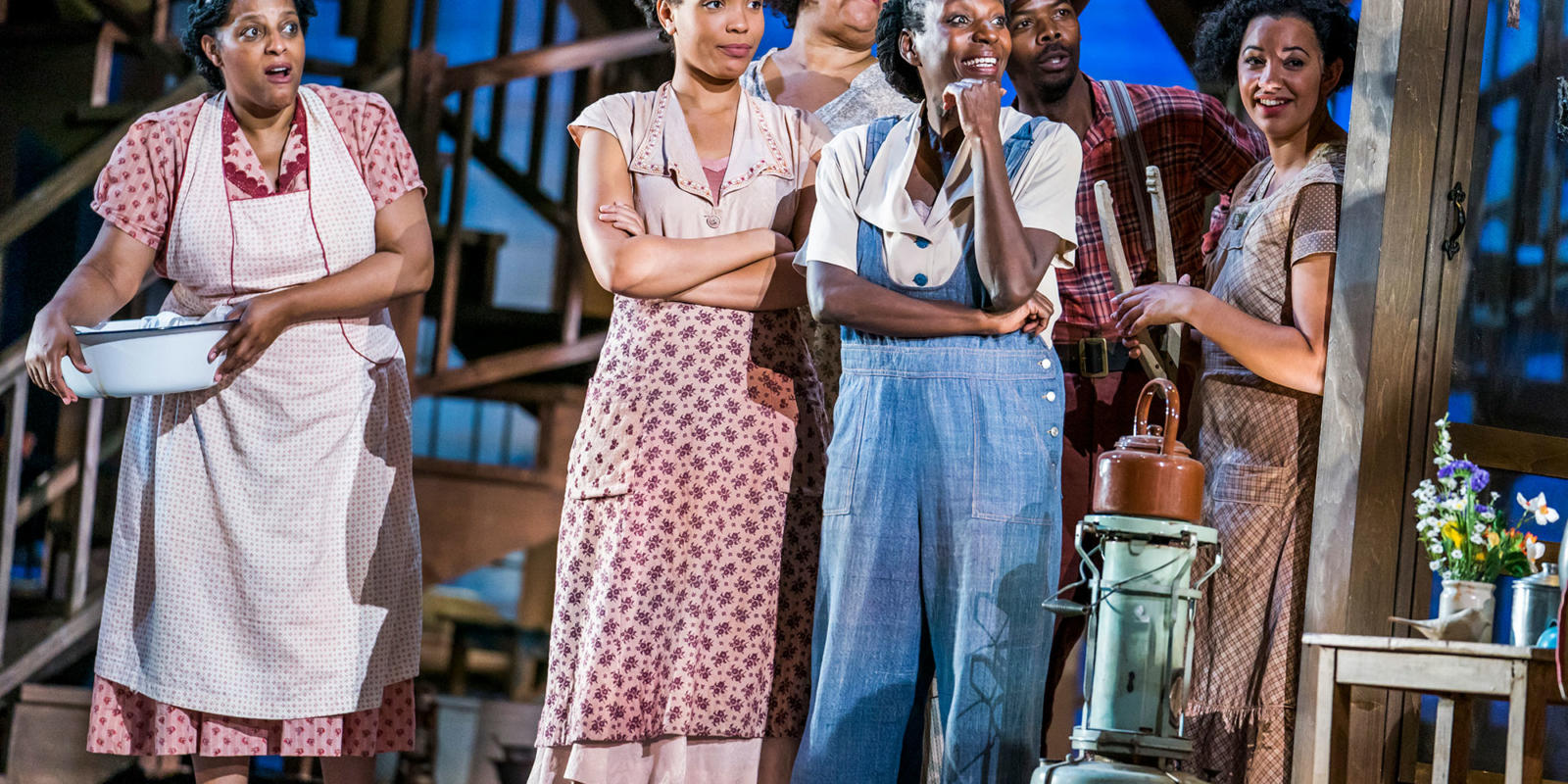 ENO Porgy and Bess: Chorus (c) Tristram Kenton