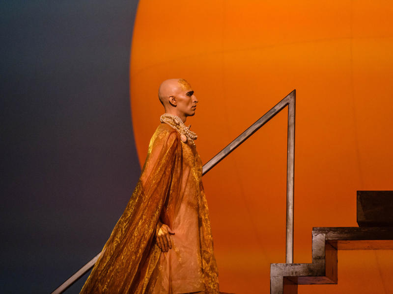 ENO1819 Akhnaten: Anthony Roth Costanzo in the title role © Jane Hobson