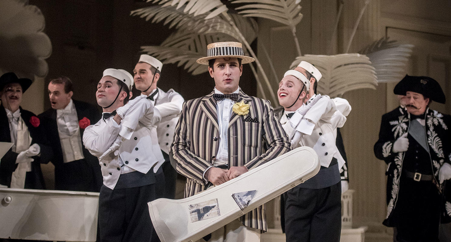 ENO The Mikado 2019, Elgan Llŷr Thomas © Genevieve Girling